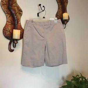 """NWOT LizGolf """"Audra"""" Golf Shorts"""